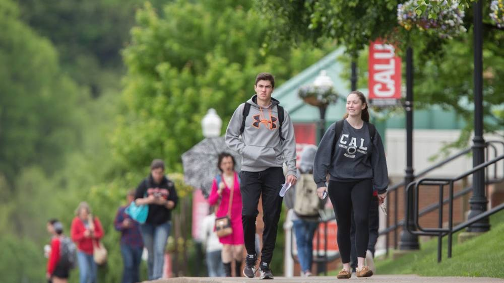 Cal U students walking to class.